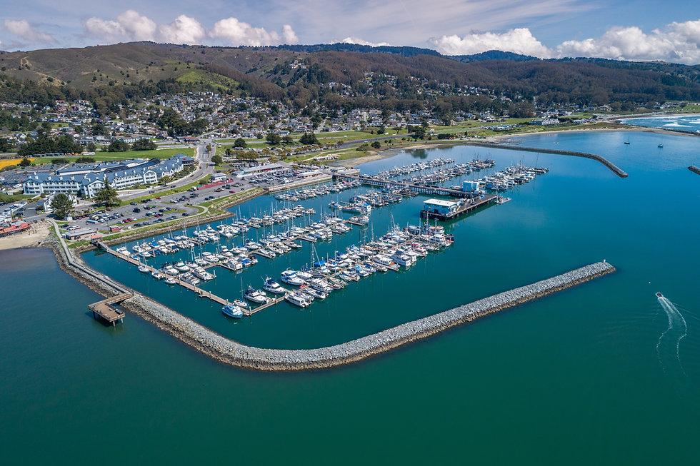 Half Moon Bay Harbor eith Yachts and Boa