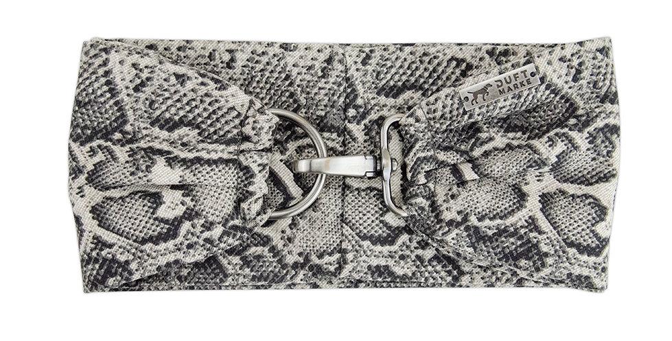 Halsband Schal oder Tuch von Duftmarke für Hunde in Schlangenoptik