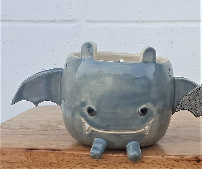 Bat Planter - Solid Gray