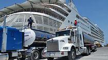 Agua purificada para cruceros.jpeg