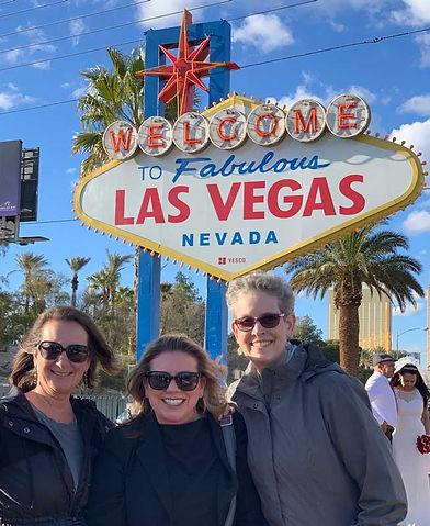 Las-Vegas-Sign---Laurie-Amy-Lorraine.jpg