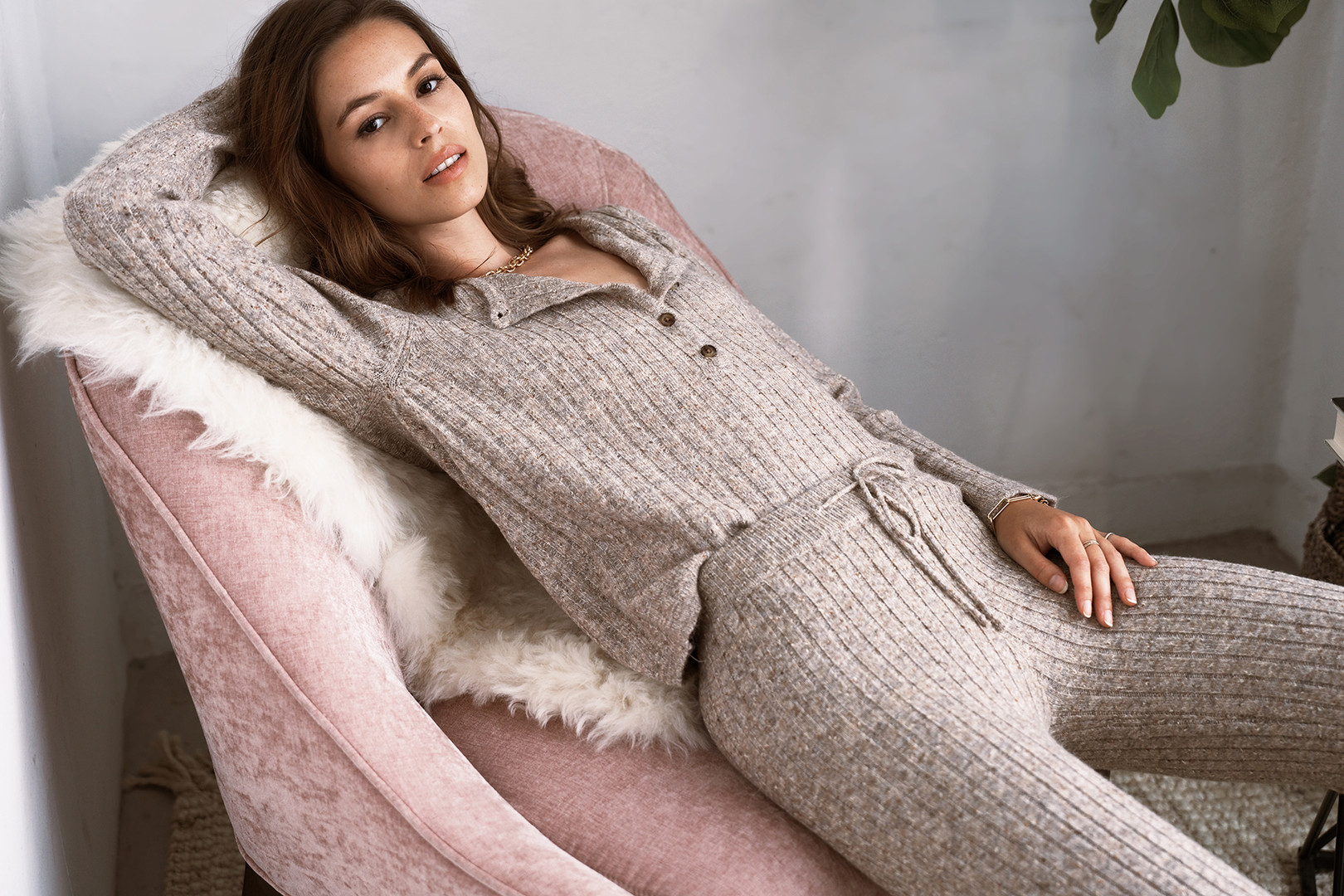 Heartloom_0273_208s70a_lilah_sweater_208