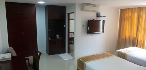 expats room rental affordable