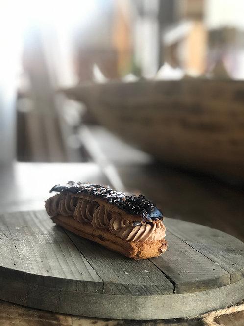 Éclair au Chocolat