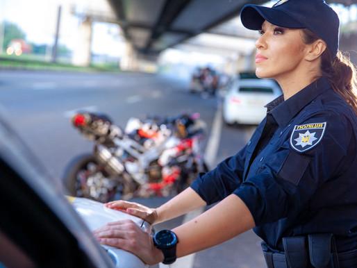 На зйомках свого нового кліпу Наталка Карпа стала жінкою-поліцейським