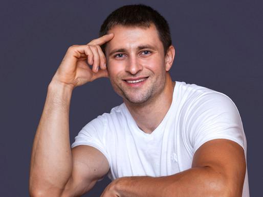 Спортсмен-бодібілдер з Білорусі почав підкорювати Америку піснями українською мовою