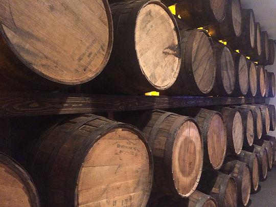 wine-barrels-E3NP9WP.jpg