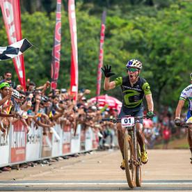Brasil e EUA são campeões da 1º etapa da CIMTB Levorin
