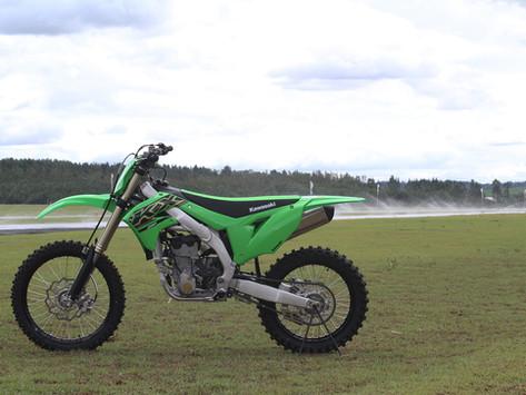 Race Test Dirt Action - Kawasaki KX 250 2021