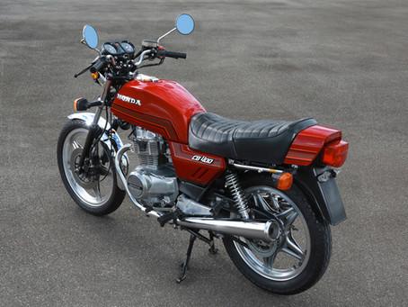 Honda CB 400 - A máquina da Honda