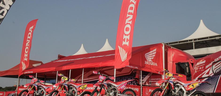 Honda Racing aprimora estruturas de apoio e carretas