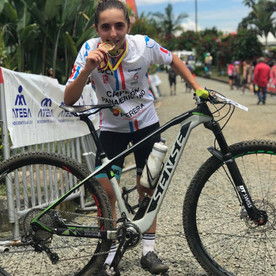 Giuliana Morgen é campeã pan-americana na categoria juvenil na Colômbia
