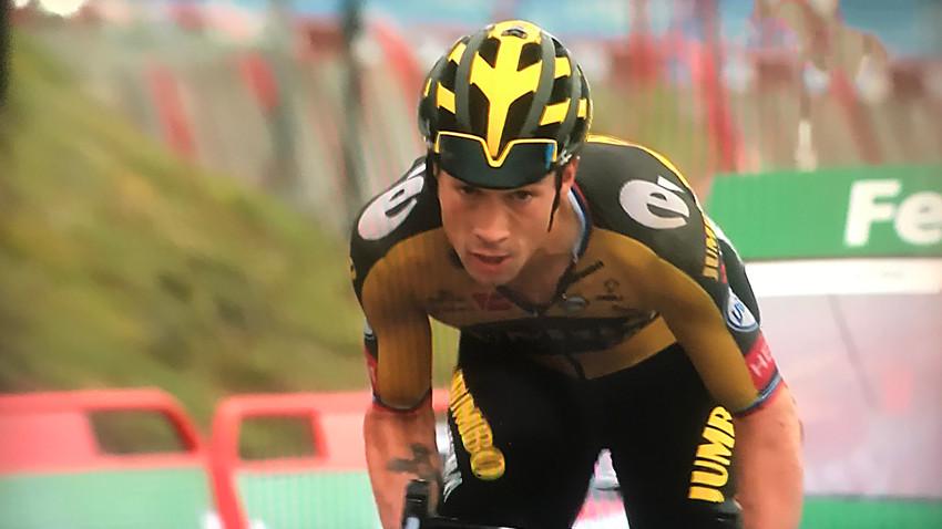 Vuelta a España: Sob chuva Roglic vence a 17ª etapa em Lagos de Covadonga