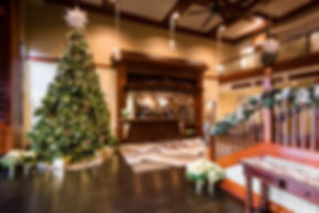 West Inn & Suites Carlsbad lobby decorated for Christmas