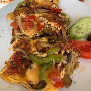 Vegetable Omelette served at Meteor Cafe in Oia Santorini Greece