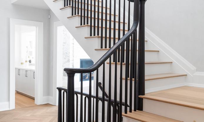 50.stairs_detail.jpg