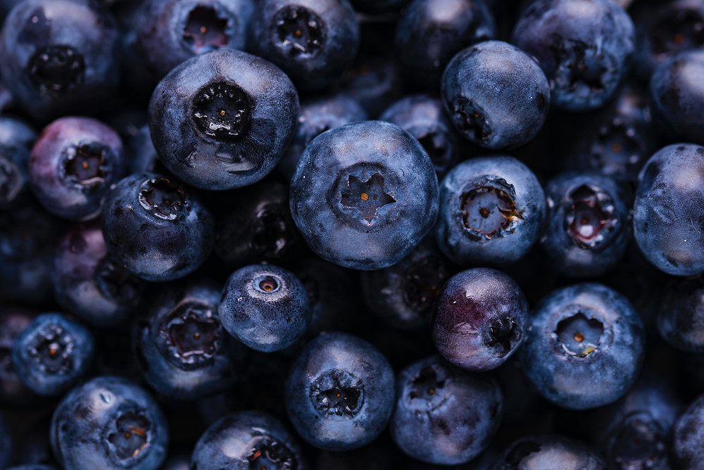 image of a pile of blueberries