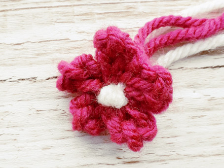 How to knit a quick mini flower