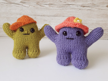 Huggling Monsters - Little knitted hugs for my family and friends !
