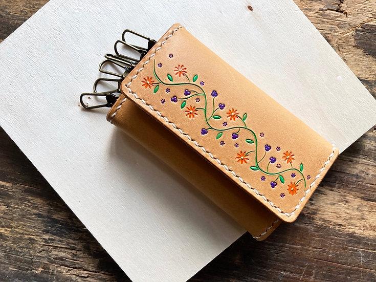 【好好縫】花卉皮雕 三摺鎖匙包 皮革D.I.Y材料包