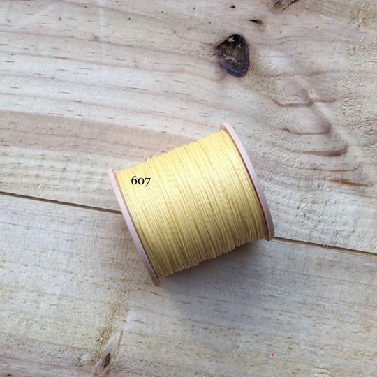 0.65mm 圓蠟線 No.607 淺黃色