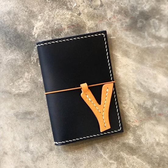 【好好縫】護照套連頭文字橡筋(票夾位)|皮革D.I.Y材料包