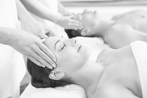 Relationship-Benefits-Of-Couples-Massage_edited.jpg