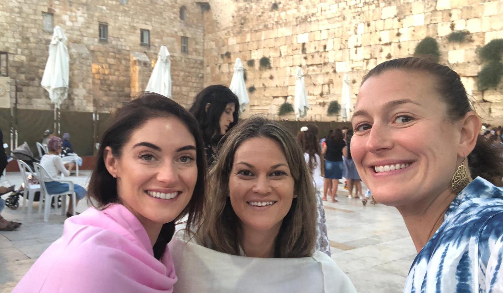 israel 2019 - girls at wall.jpg