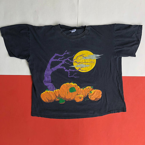 VINTAGE HALLOWEEN SCENE SINGLE STITCHED T SHIRT
