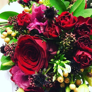 Today's autumn blooms for a windy weddin
