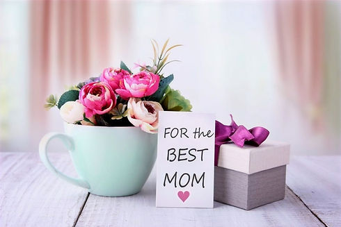 mothers-day-present-card-flowers-gift-bo