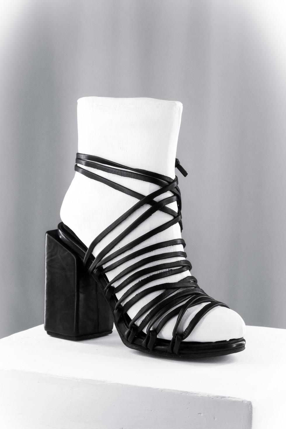 Block heel Lace-up Sandals