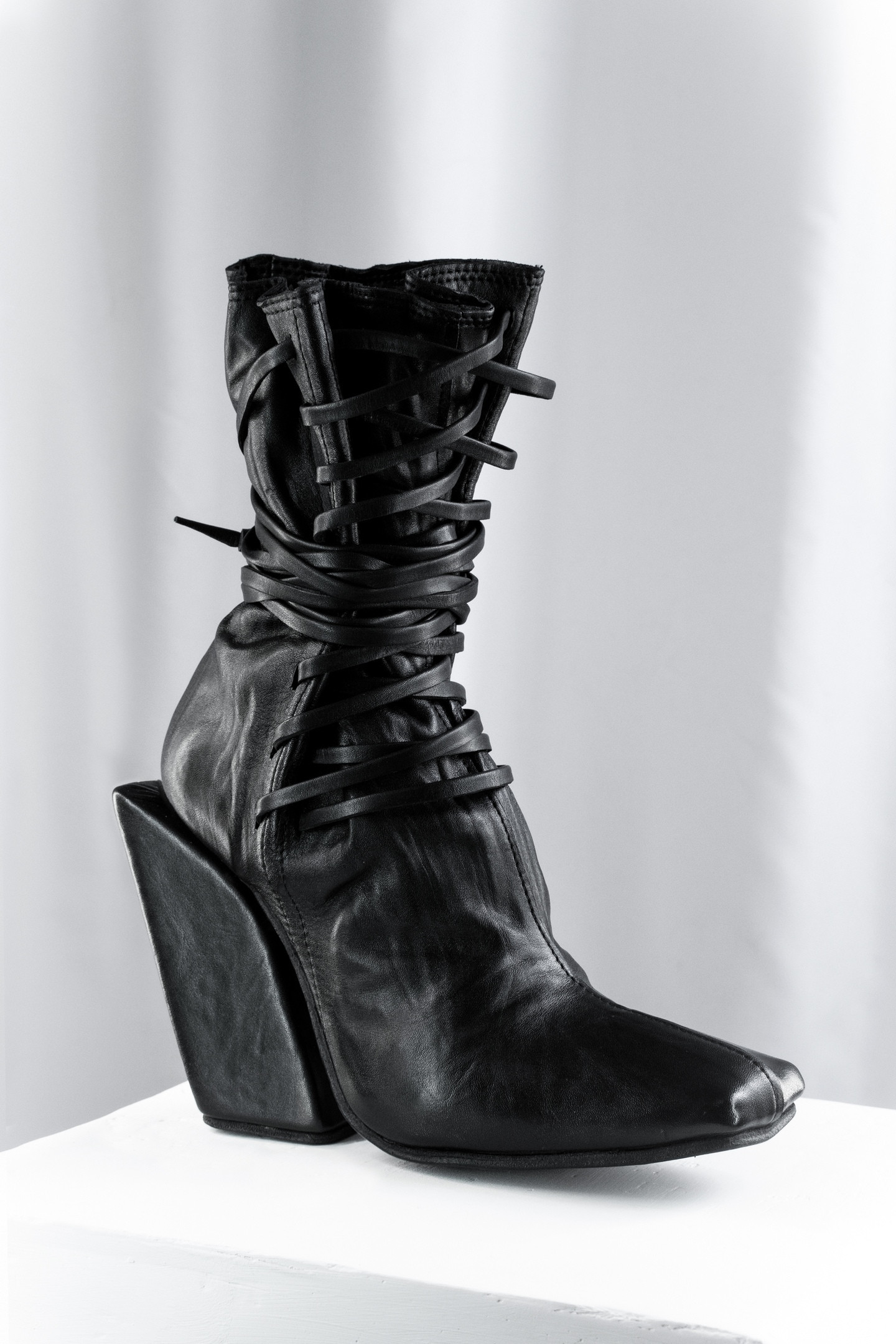 Slanted Block heel Lace-up Boots