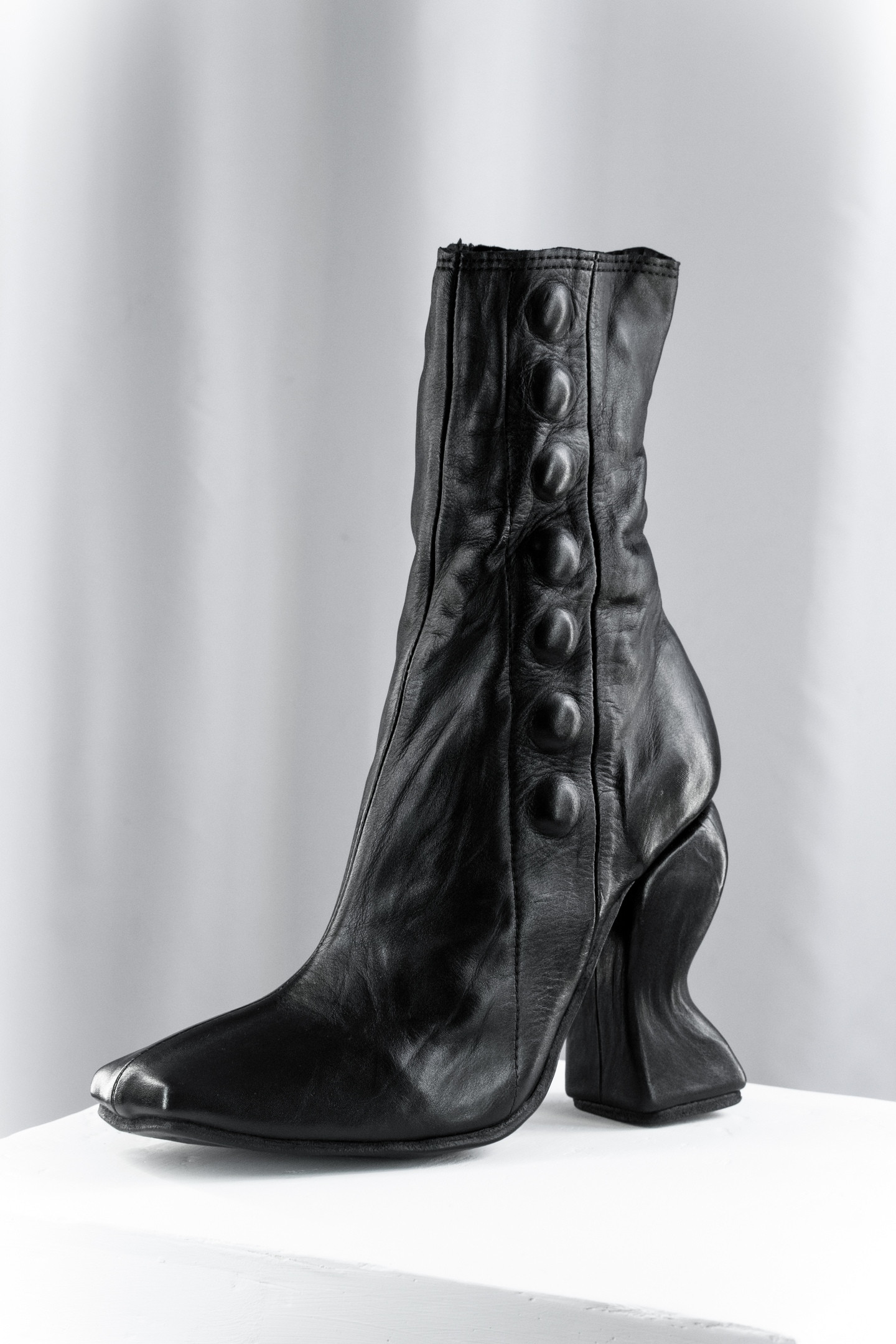 'Vanessa' Curved heel Button Boots