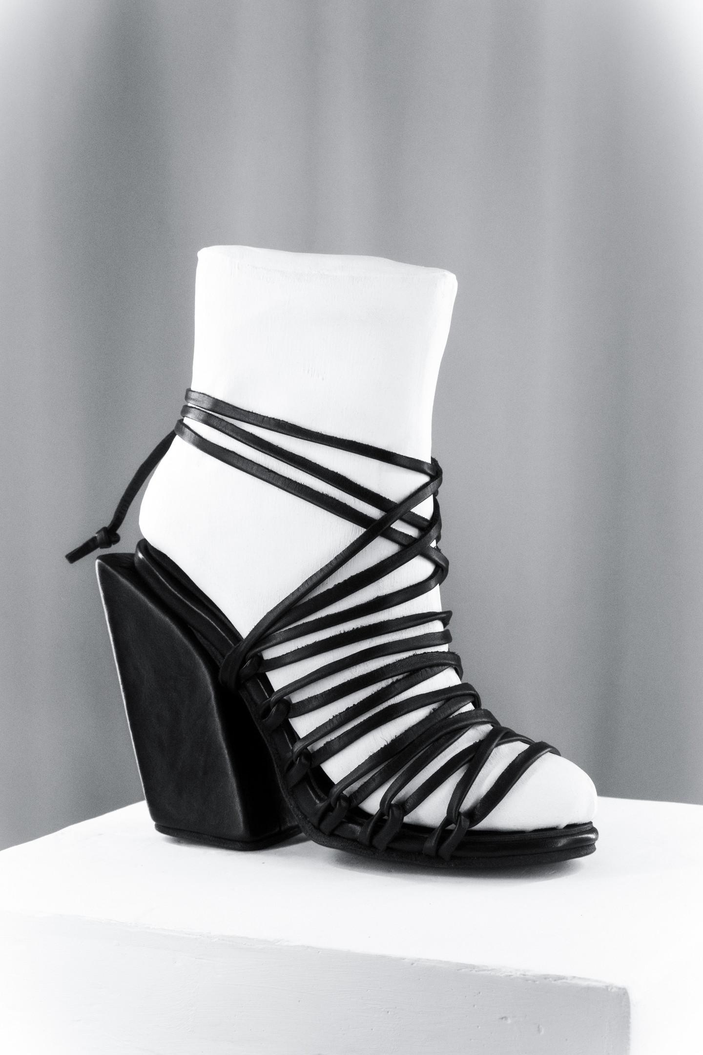 Slanted Block heel Lace-up Sandals