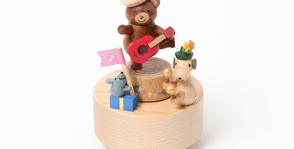 Bear, guitar, presents, dogs, animals, music boxes, wooden, rotation, handcrafted, sustainability, babyshower, birthdays
