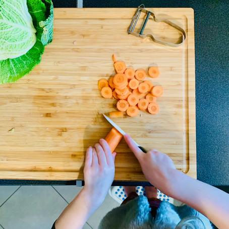Cuisiner avec son enfant d'après la pédaogie Montessori !