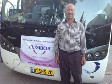 Fawzi, há 15 anos conduzindo com segurança nossos ônibus em Israel.