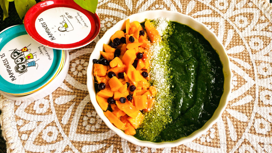 Spinach and Banana Smoothie Bowl