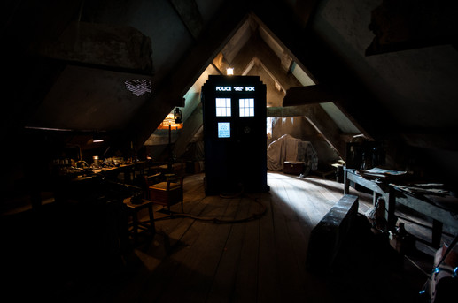 The Doctor, the Widow and the Wardrobe (2011)
