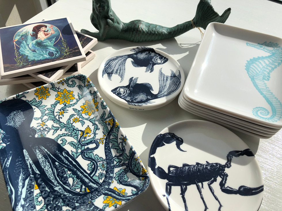 Dishes, trays & coasters