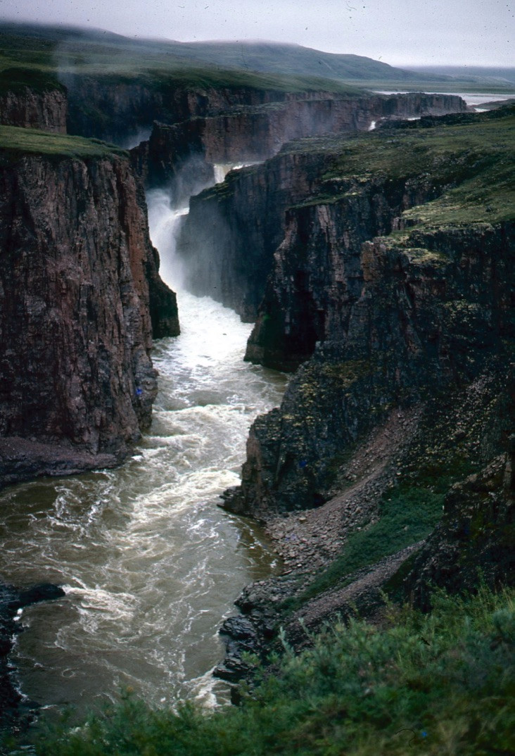 Wilberforce Falls, Hood River, Nunavut, Canada