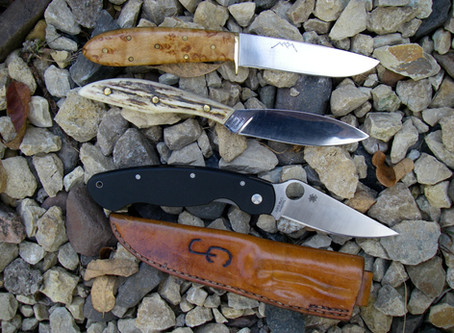HOW TO PICK A GOOD CAMPING KNIFE