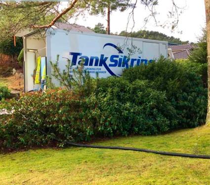 Tanksikring - Slange.jpg