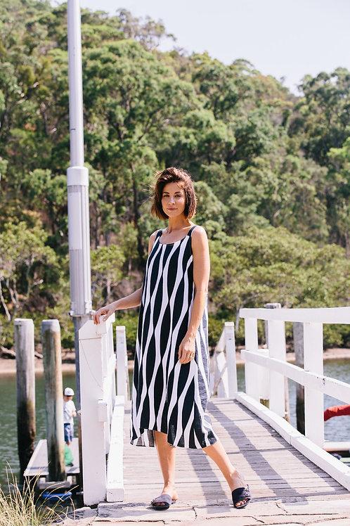 See Saw / Navy Wavey Print Linen Maxi Dress