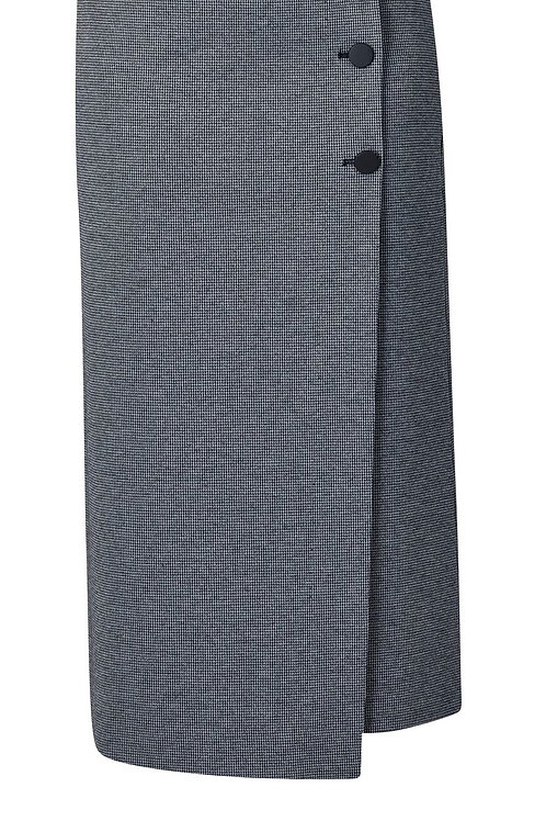 Vassalli / Midi Length Skirt with Front Button Detail