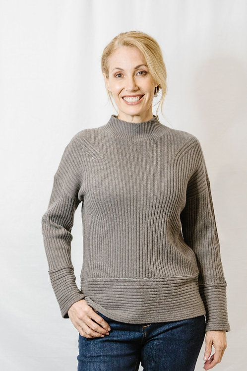 Goondiwindi Cotton / Turtle Neck Sweater / Squirrel