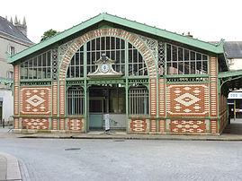 Quimperlé_08_Halles_du_XIXème_siècle_dans_la_ville_basse.jpg