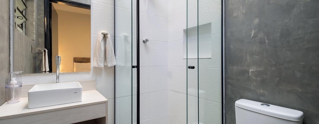 17. Suite 1 - Banheiro - Chácara São Miguel - casa 18pax.jpeg