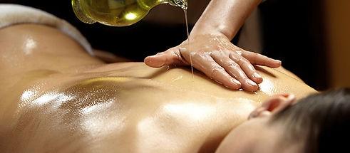 Massagem_com_óleos_essenciais.JPG